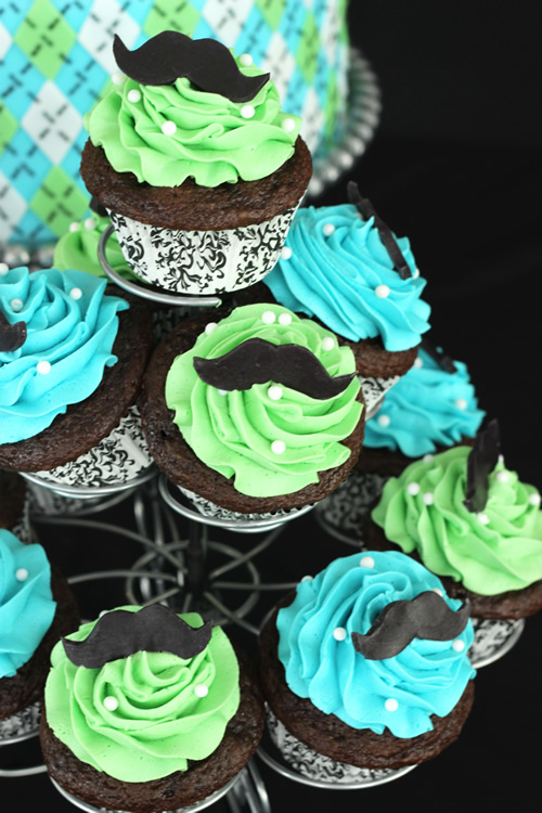 Cupcake Decorating Ideas For Guys : A Mustache Themed Baby Shower Cake for a Little-Man-To-Be ...